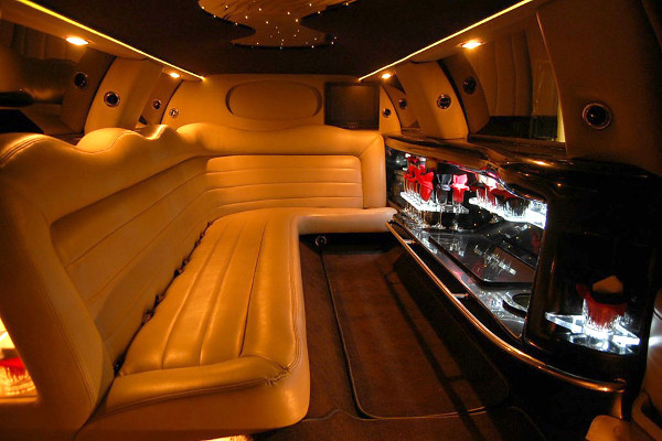 lincoln limo service Hoover