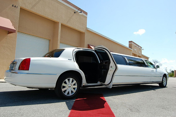 lincoln stretch limo Hoover
